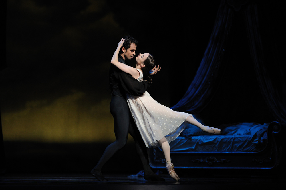 maria-kochetkova-and-vitor-luiz-in-crankos-onegin-3.jpg