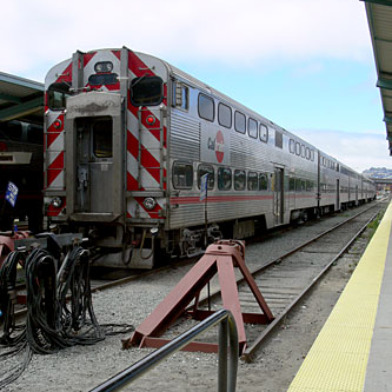 Caltrain Service Disrupted As SFPD Talks Armed Man Off Ledge