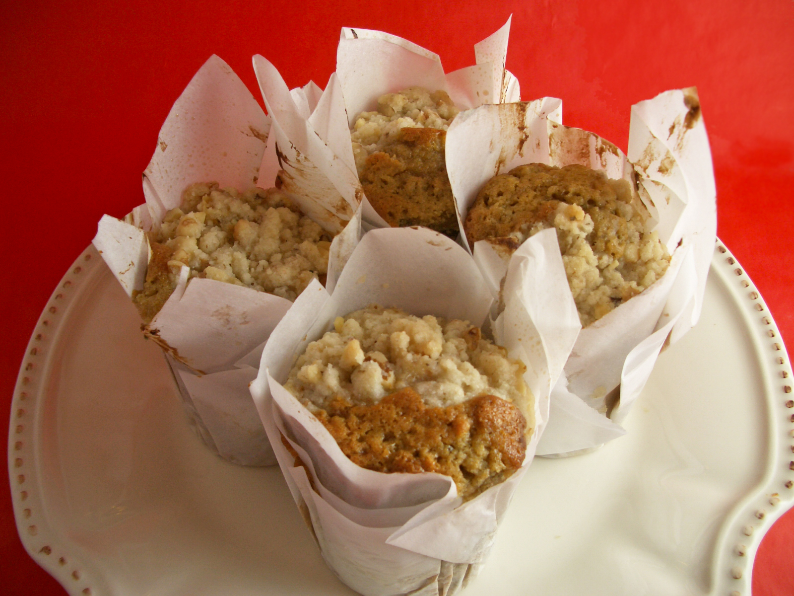 Goodies by Anna: Banana Muffins with Walnut Streusel Topping