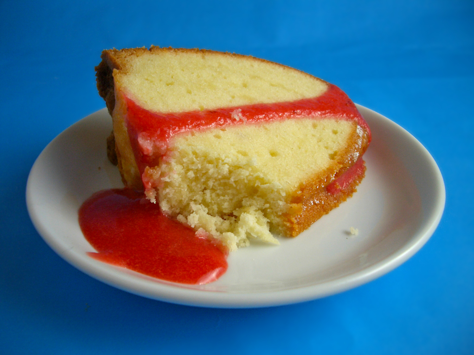 Goodies by Anna: Cream Cheese Pound Cake with Strawberry Coulis