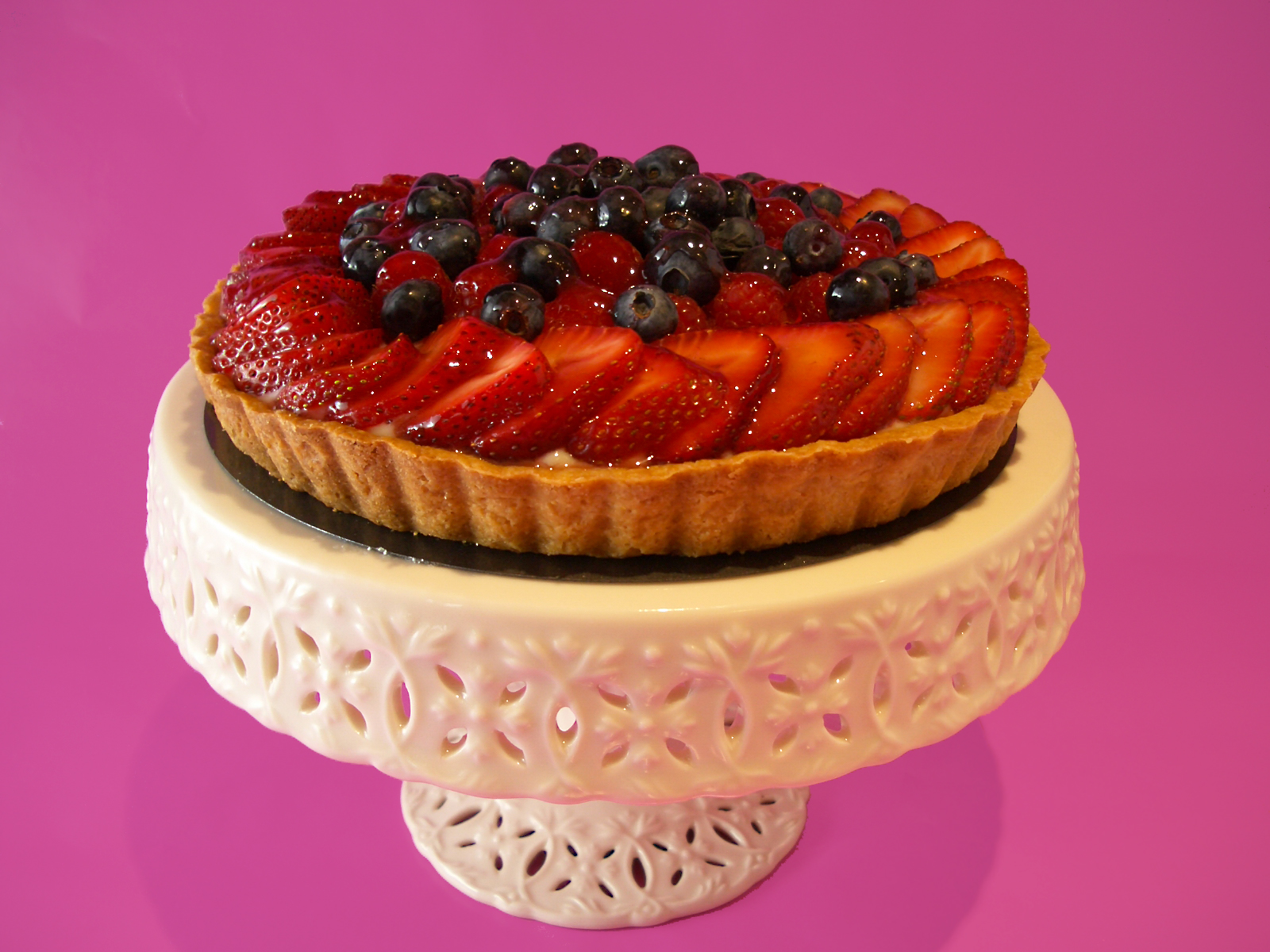 Goodies by Anna: Fresh Berry Tart with Cornmeal Pate Brisee Crust