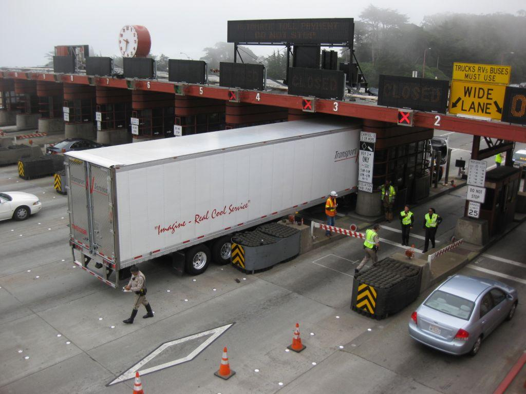 Big Rig Crashes Into Golden Gate Bridge Toll Plaza