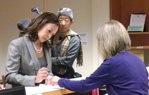 Kamala Harris Hits SF City Hall, Takes Out Papers To Run For Re-Election