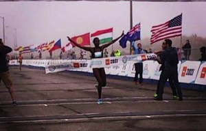 Geoffrey Kenisi And Diane Johnson Triumph At Bay To Breakers Race Marred By Delay, Injury