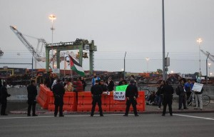 Ship Blocked From Departing Port of Oakland By Protesters Departs Only to Return Hours Later
