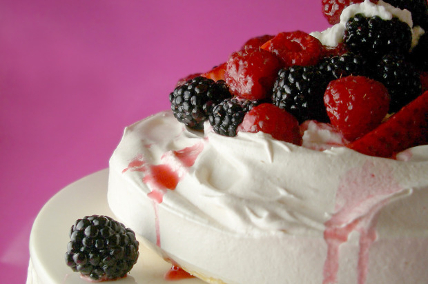 Goodies By Anna: Mixed Berry Pavlova